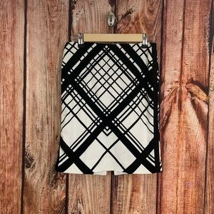 WHBM Black & White Geometric Lines Skirt Size 0